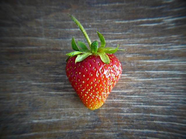 strawberry-932332_640